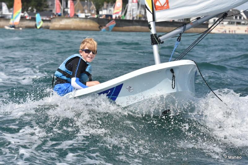 Stages De Voile D Ete Pour Les Enfants En Bretagne 56 Yacht Club De Carnac